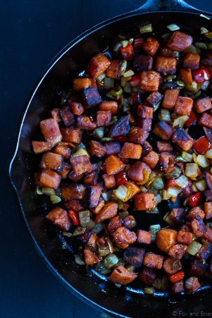This sweet potato hash is so good! Perfect for breakfast. Gluten free, paleo, vegan and vegetarian.
