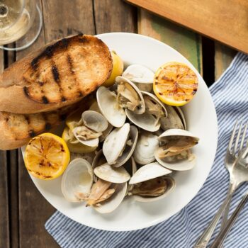 Beer Steamed Clams – At home or on...