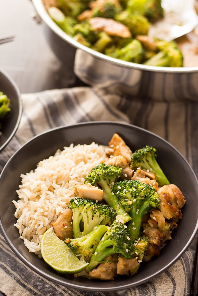 These easy and healthy Peanut Sauce Chicken and Broccoli Bowl only take about 20 minutes to make, and is a dinner the whole family will love! Serve with rice or cauliflower rice for a quick and healthy weeknight dinner!