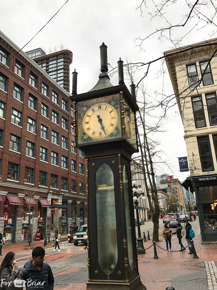 Steamclock, Gastown, Vancouver BC. What to do and where to eat in Vancouver, B.C. The Ultimate Weekend Travel Guide! How to spend 36 hours in Vancouver, Canada. | Best places to eat in vancouver | tourist attractions Vancouver BC | Weekend trip to Vancouver | Things to do in Vancouver