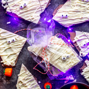 Mummy Bark – Cute Halloween Recipe...