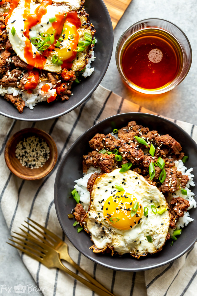 These Korean Ground Beef bowls are an easy and quick ground beef recipe, perfect for weeknight dinners!  The flavors of beef bulgogi made easy using ground beef! | Ground Beef Recipe | Easy Dinner REcipe | Healthy ground beef bowls | Meal prep idea | with egg