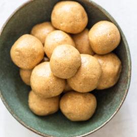 Healthy Peanut Butter Energy Balls (Hone...